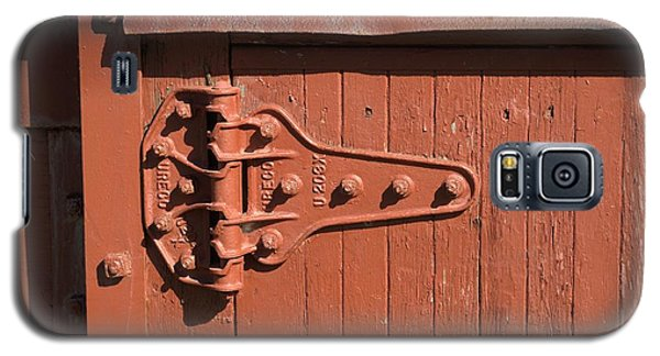 Galaxy S5 Case featuring the photograph Hinge On Railcar by Douglas Pike
