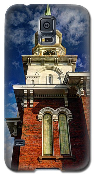 Galaxy S5 Case featuring the photograph Historic Steeple by Linda Edgecomb