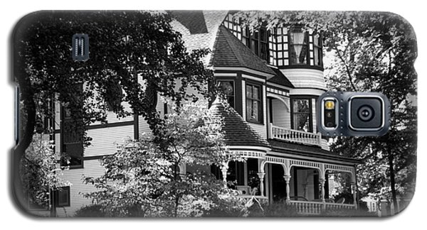 Historic Victorian Home Galaxy S5 Case by Deborah Fay