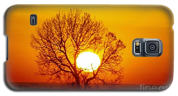 Galaxy S5 Case featuring the photograph Holding The Sun by Steven Reed