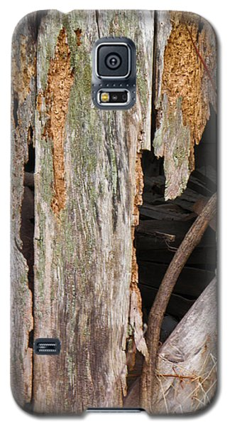 Galaxy S5 Case featuring the photograph Holey Smokehouse by Nick Kirby