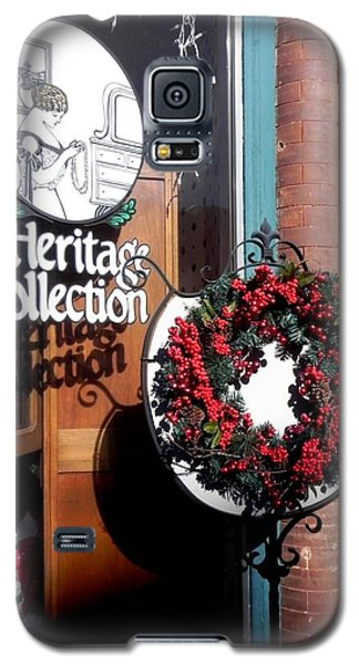 Galaxy S5 Case featuring the photograph Holiday Classic by Peggy Stokes