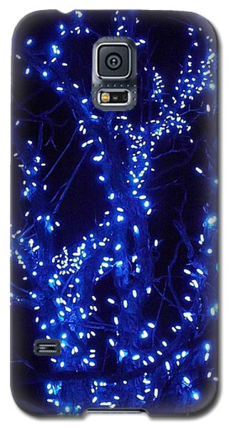 Galaxy S5 Case featuring the photograph Holiday Glow Blue by Darren Robinson