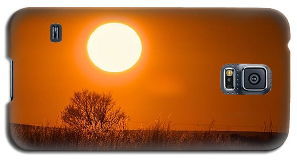 Galaxy S5 Case featuring the photograph Hollister Idaho Spring Sunset by Michael Rogers