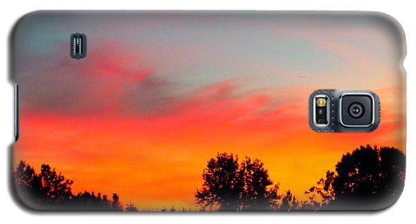 Galaxy S5 Case featuring the photograph Home At Dusk by Robin Coaker