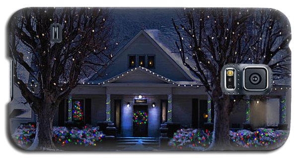 Galaxy S5 Case featuring the photograph Home For Christmas by Bonnie Willis