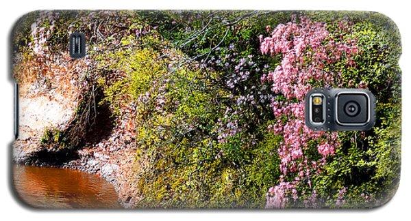 Honeysuckle On Buckatunna Creek Galaxy S5 Case by Lanita Williams