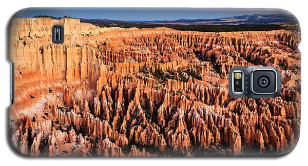 Galaxy S5 Case featuring the photograph Hoodoos At Sunrise by Peta Thames