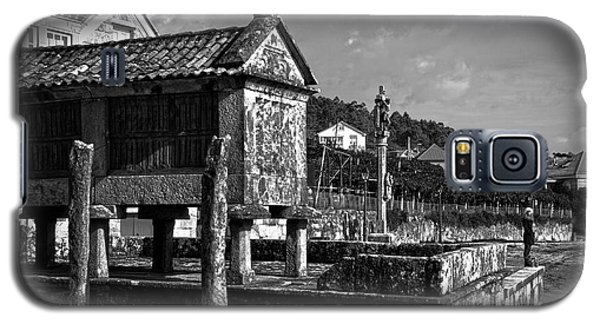 Horreo And Cruceiro In Galicia Bw Galaxy S5 Case