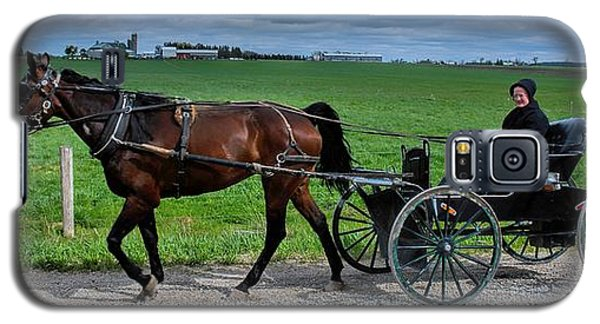 Horse And Buggy On The Farm Galaxy S5 Case by Henry Kowalski