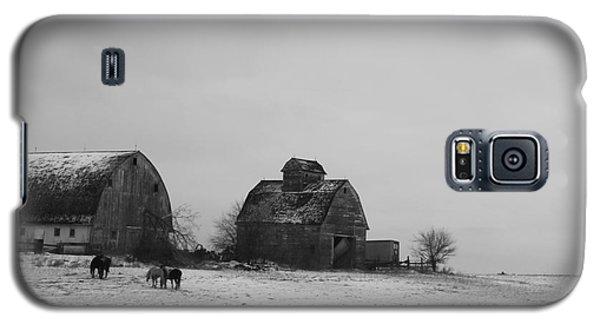 Horses And Barns  Galaxy S5 Case by Yumi Johnson
