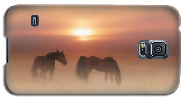 Horses In A Misty Dawn Galaxy S5 Case