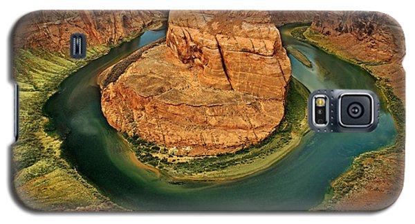 Galaxy S5 Case featuring the photograph Horseshoe Bend by Roman Kurywczak