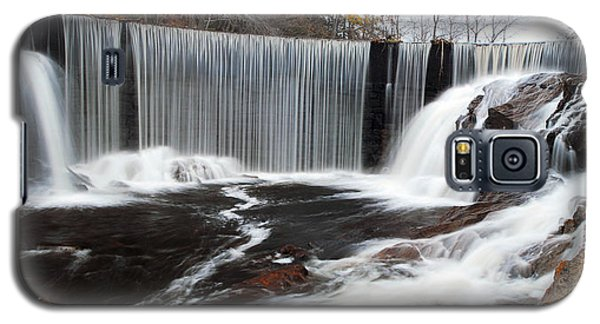 Galaxy S5 Case featuring the photograph Horseshoe Falls Pano 2 by Dan Myers