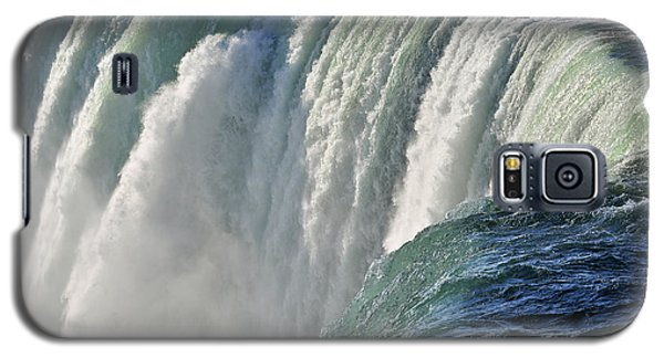 Galaxy S5 Case featuring the photograph Horseshoe Falls by Rodney Campbell