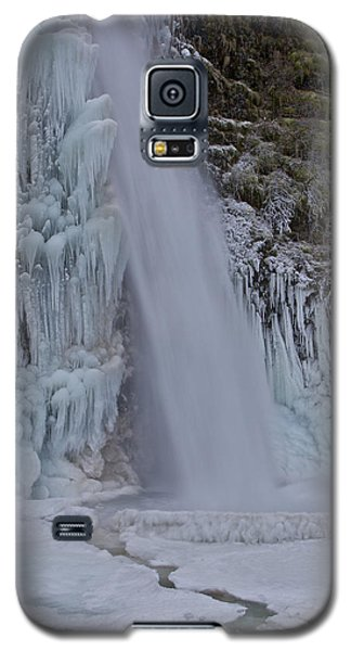 Galaxy S5 Case featuring the photograph Horsetail Falls 120813 Cu B by Todd Kreuter