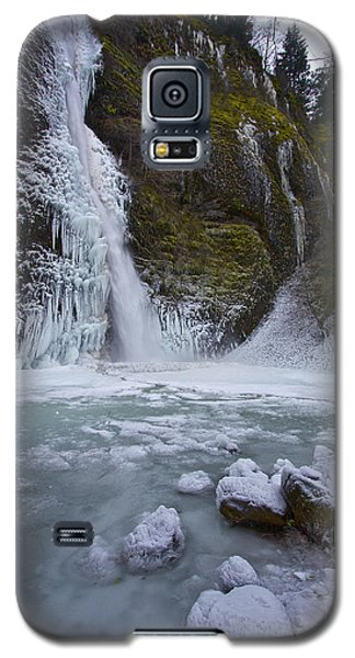 Galaxy S5 Case featuring the photograph Horsetail Falls 120813b by Todd Kreuter
