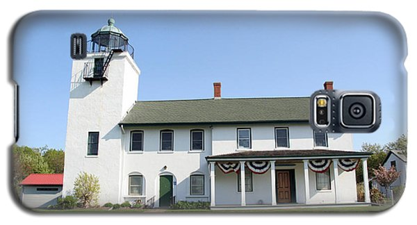 Galaxy S5 Case featuring the photograph Horton's Point  by Karen Silvestri