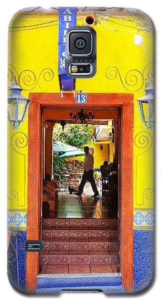 Hotel Estancia - Ajijic - Mexico Galaxy S5 Case by David Perry Lawrence