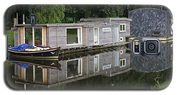 Houseboats In Canal Galaxy S5 Case by Hans Engbers