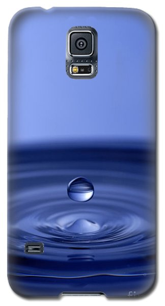 Hovering Blue Water Drop Galaxy S5 Case