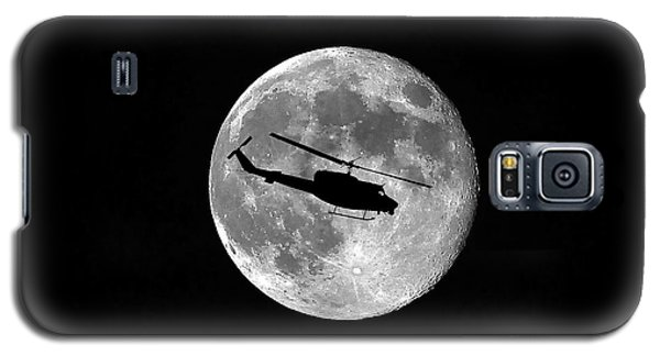 Helicopter Galaxy S5 Case - Huey Moon by Al Powell Photography USA