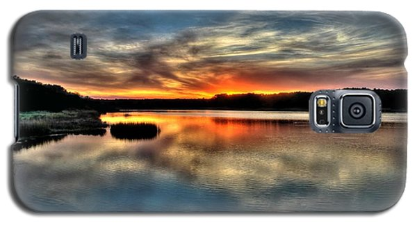 Galaxy S5 Case featuring the photograph Huntington Beach Sunset by Ed Roberts