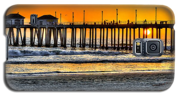 Galaxy S5 Case featuring the photograph Huntington Beach Sunset by Jim Carrell