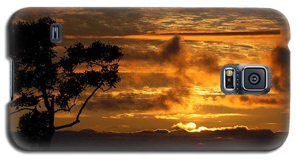 Galaxy S5 Case featuring the photograph Huntington Beach Sunset by Matt Harang