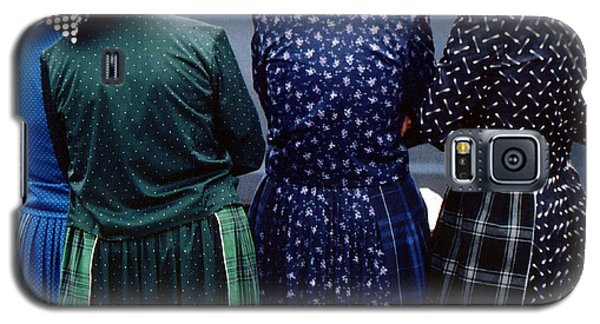 Hutterite Women At The Market Galaxy S5 Case