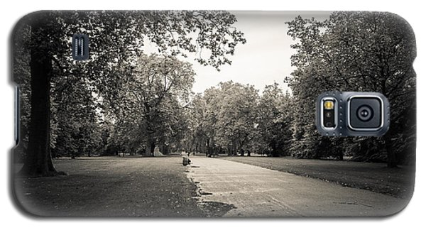 Hyde Park - For Eugene Atget Galaxy S5 Case by Ross Henton
