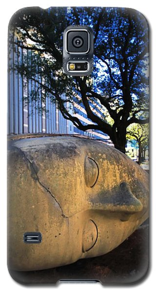 Galaxy S5 Case featuring the photograph I Just Lost Ma Head by Robert McCubbin