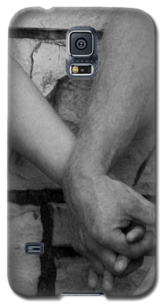 Galaxy S5 Case featuring the photograph I Wanna Hold Your Hand by Lesa Fine