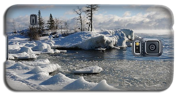 Galaxy S5 Case featuring the photograph Ice Cold by Sandra Updyke