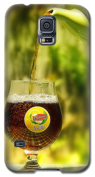 Galaxy S5 Case featuring the photograph Ice Tea 01 by Kevin Chippindall