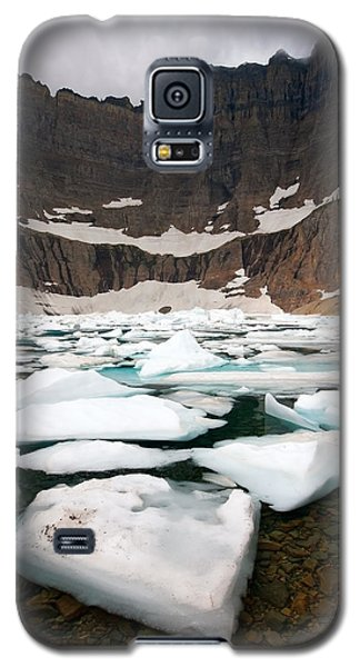 Galaxy S5 Case featuring the photograph Iceberg Lake by Aaron Whittemore