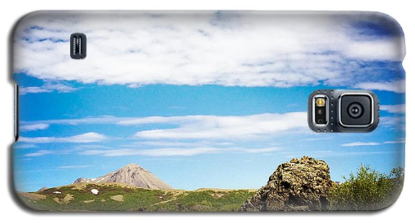 Blue Galaxy S5 Case - Iceland Landscape And Blue Sky by Matthias Hauser