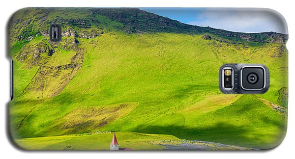 Iceland Mountain Landscape With Church In Vik Galaxy S5 Case