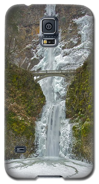 Galaxy S5 Case featuring the photograph Icy Multnomah Falls 120713a by Todd Kreuter