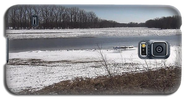 Galaxy S5 Case featuring the photograph Icy Wabash River by Tony Mathews