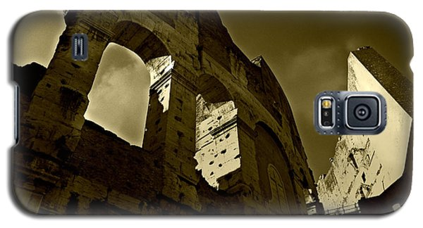 Galaxy S5 Case featuring the photograph Il Colosseo by Micki Findlay