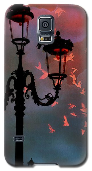 Galaxy S5 Case featuring the photograph Il Volo by Micki Findlay