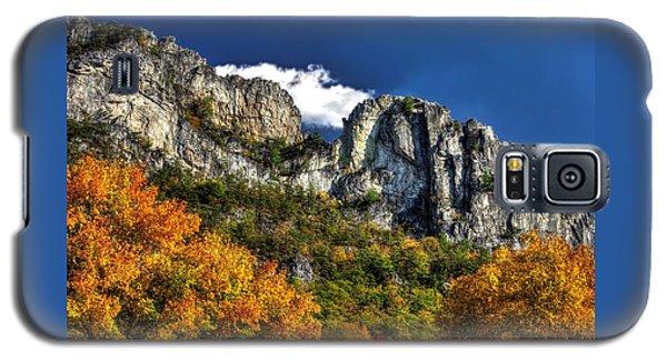 Imposing Seneca Rocks - Seneca Rocks National Recreation Area Wv Autumn Mid-afternoon Galaxy S5 Case
