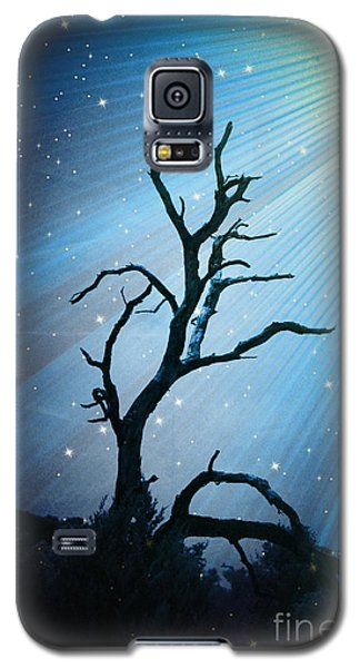 Galaxy S5 Case featuring the photograph Imr Light Trail - No.4866 by Joe Finney