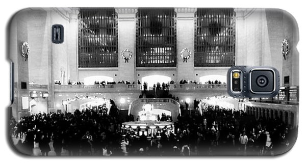 In Awe At Grand Central Galaxy S5 Case by James Aiken
