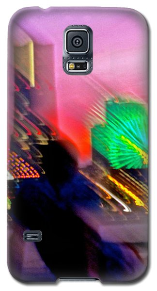 Galaxy S5 Case featuring the photograph In Love With Love - 11 by Larry Knipfing