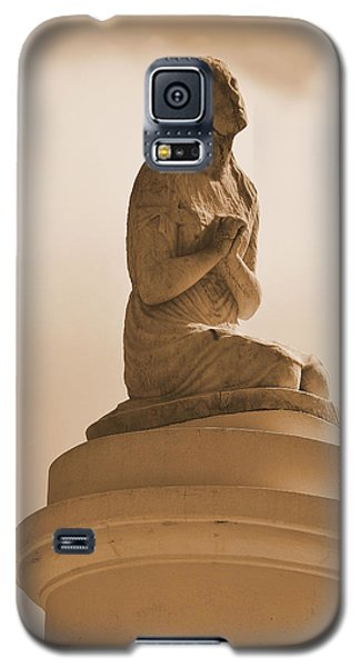 Galaxy S5 Case featuring the photograph In Supplication by Nadalyn Larsen