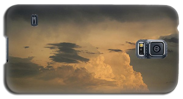 Galaxy S5 Case featuring the photograph In The Cloud 2  by Lyle Crump