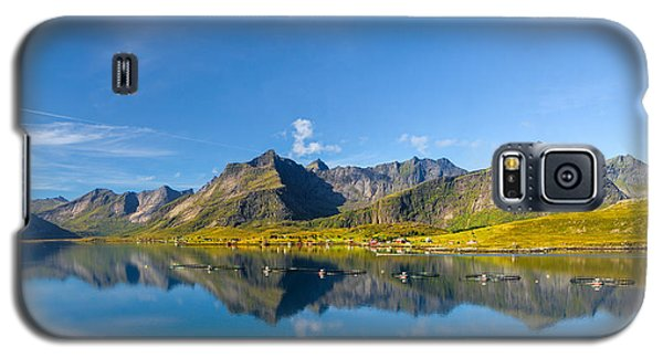 Galaxy S5 Case featuring the photograph In The North by Maciej Markiewicz