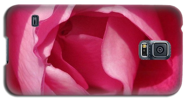 Galaxy S5 Case featuring the photograph In The Pink by Janice Westerberg